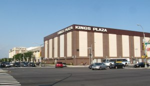 Kings_Plaza_Macys_jeh